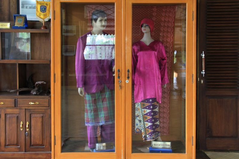 Baju Adat Pengantin Belitung