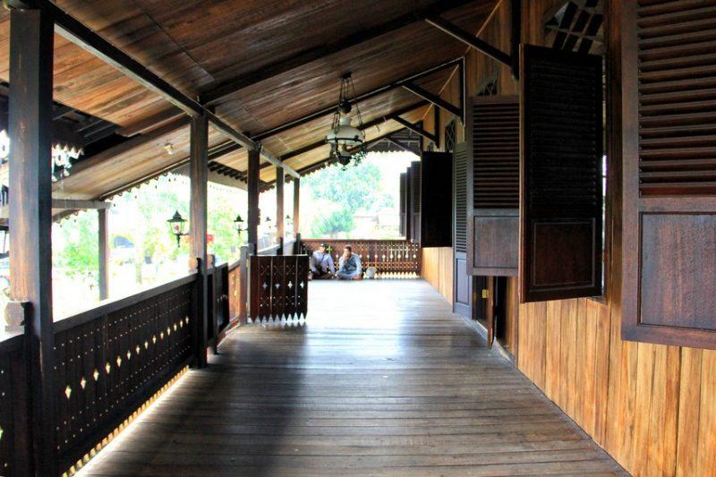 Halaman teras adat Bangka Belitung