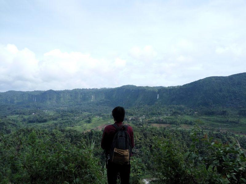 Pemandangan Curug Citambur Dari Atas bukit