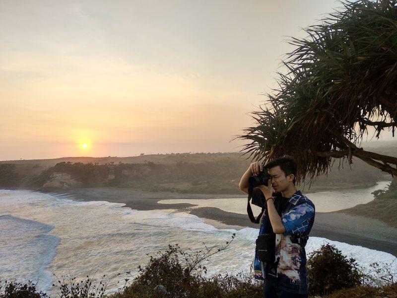 Sunset Puncak Guha