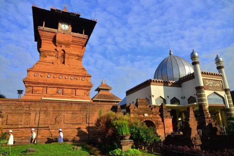 Masjid Kudus Peninggalan bercorak Islam