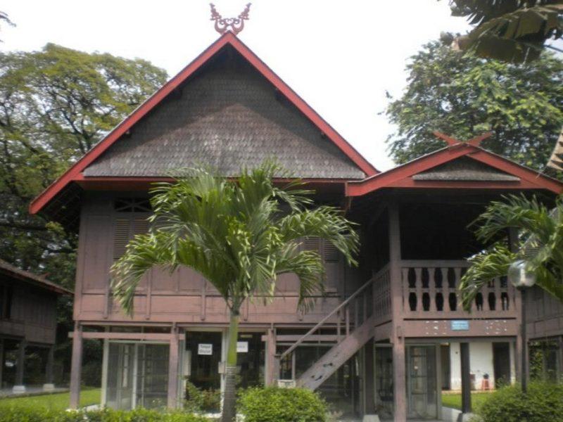 Contoh Rumah Adat Bolaang