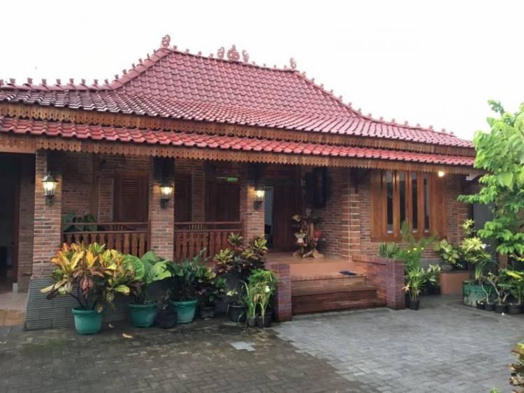 Rumah Adat Limasan