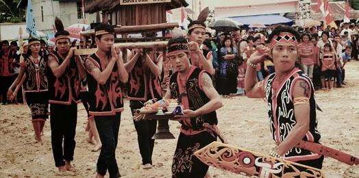 upacara adat