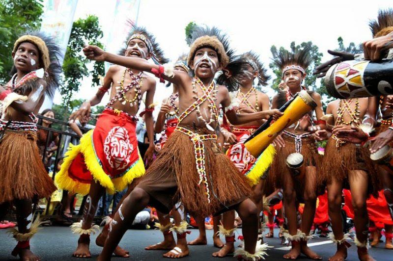 Kesenian Daerah - Kebudayaan Papua Barat