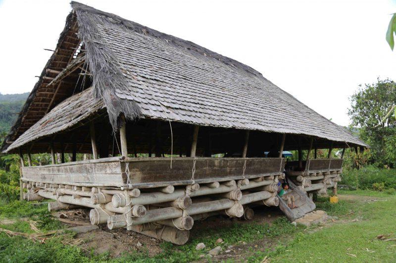Rumah Adat Lobo