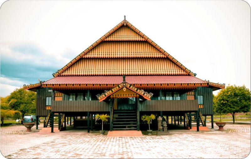Rumah Adat Mekongga