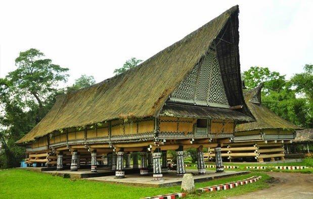 Rumh adat bolon Sumatera Utara