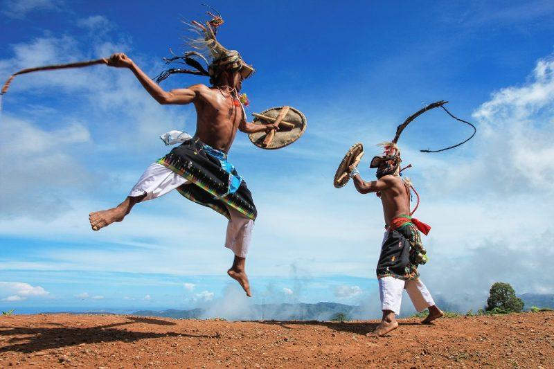 Tarian Tradisional Nusa Tenggara Timur Tari Caci