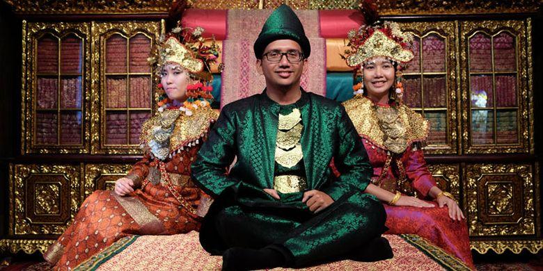 Pakaian Adat Sumatera Selatan