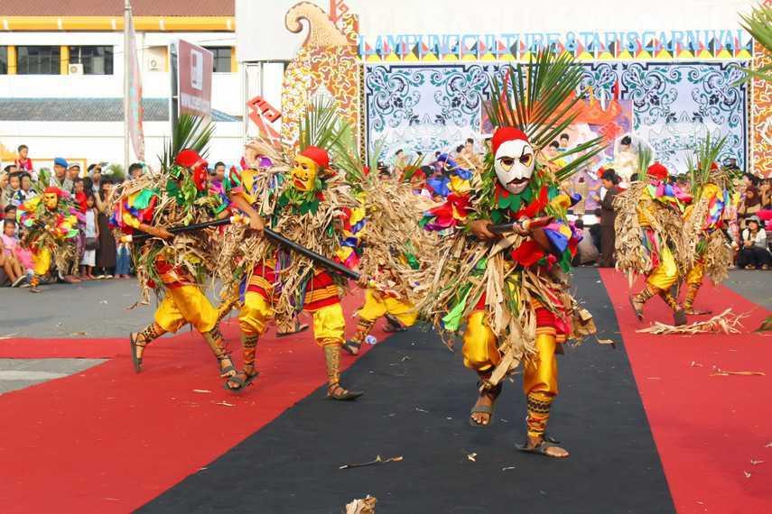 Tarian Adat Lampung