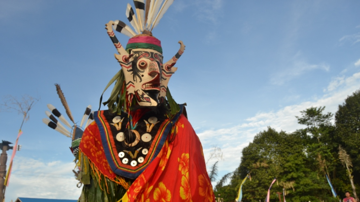 Tarian adat Kalimantan Timur